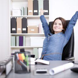 10 einfache Tipps, wie man weniger sitzt