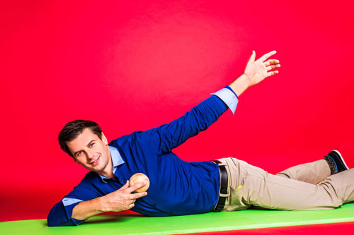 Faszien Übungen mit Ball Brustmuskulatur
