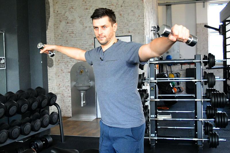 Fitness Übung Seitheben