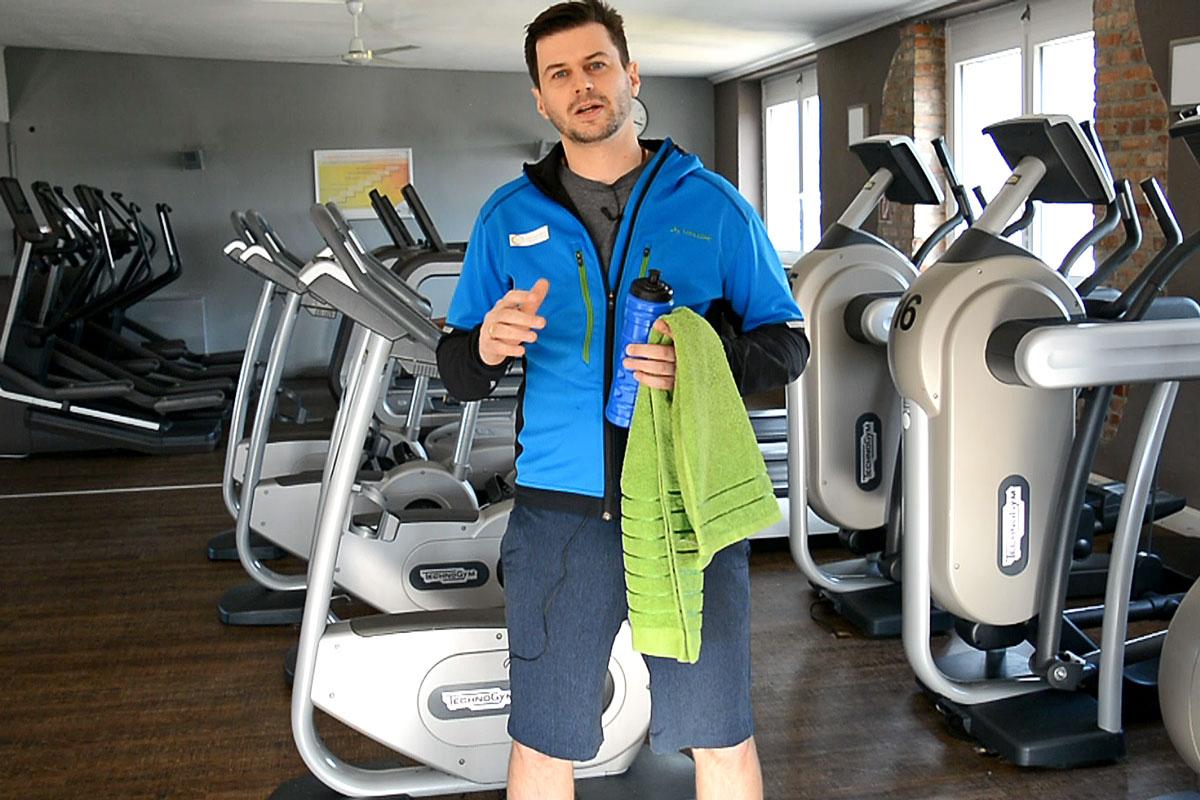 Fitnessstudio Übungen